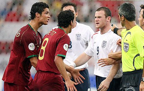 Ronaldo: 'Chưa từng hối hận vì khiến Rooney bị đuổi'