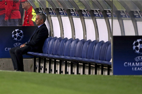 Porto 2-1 Chelsea: Ngày về khốn khổ của Mourinho