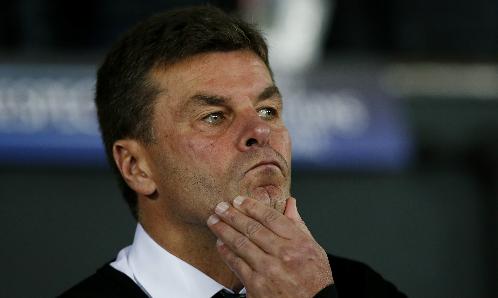 HLV Wolfsburg: 'Man Utd thắng may, đáng bị đuổi người'