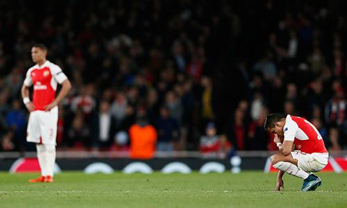 Roy Keane chê Arsenal mềm yếu trước đại chiến với Man Utd
