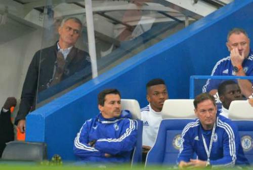 Mourinho: 'Chelsea không nên sa thải HLV giỏi nhất'