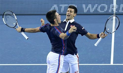Anh em Djokovic chung niềm vui chiến thắng tại Trung Quốc