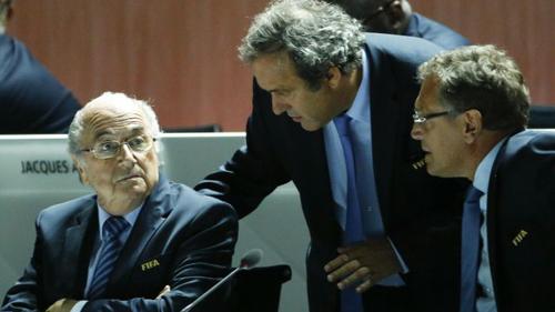 FIFA đình chỉ công tác Blatter, Platini