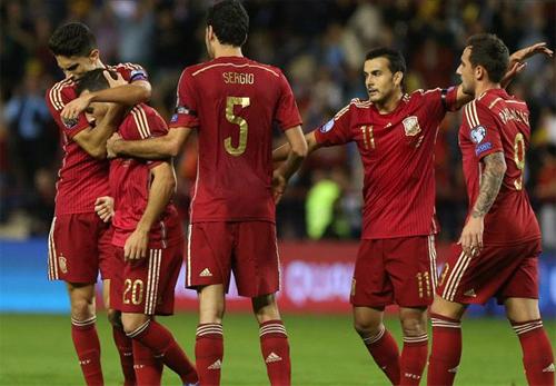 Sao Arsenal tỏa sáng trong ngày Tây Ban Nha giành vé dự Euro
