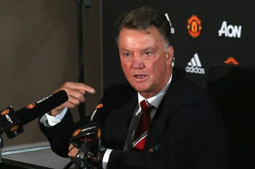 Van Gaal: 'Man Utd phải hành xử như nhà vô địch'