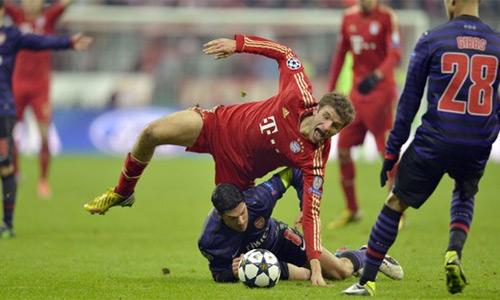 Thierry Henry: 'Arsenal phải chủ động tấn công Bayern'