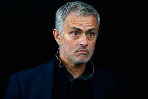 Mourinho mắng trọng tài 'yếu đuối, ngây thơ'