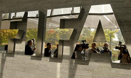 FIFA điều tra Beckenbauer và mười quan chức khác