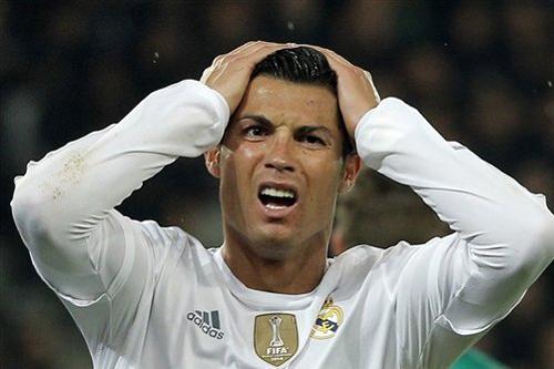 Marca: 'Ronaldo ra rìa Top 3 Quả Bóng Vàng, Barca thắng lớn'