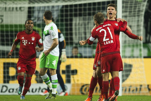 muller-lap-cu-dup-bayern-tien-wolfsburg-roi-cup-quoc-gia
