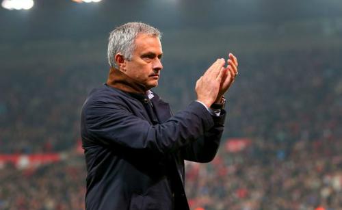 Mourinho: 'Thật ngu xuẩn khi nói học trò chống đối tôi'