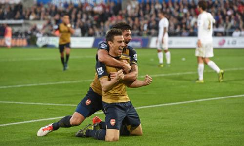 Arsenal đại thắng, giữ vững nhì bảng Ngoại hạng Anh
