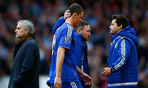 Rộ tin đồn cầu thủ Chelsea tạo phản Mourinho
