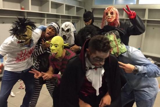 Barca gặp rắc rối vì mừng kiểu Halloween