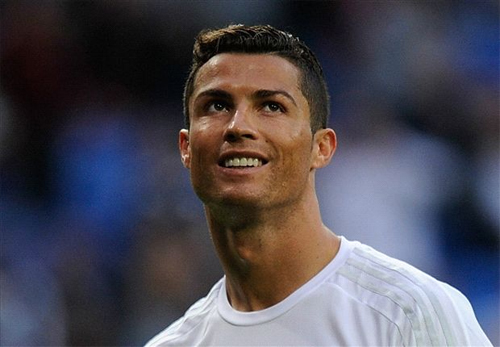 Ronaldo từ chối cam kết giải nghệ tại Real