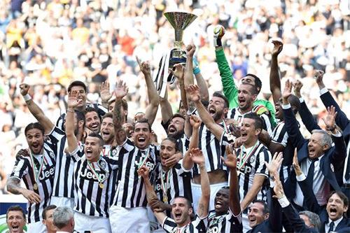 Serie A hấp dẫn nhất thập kỷ: Cuộc chiến hoa hồng