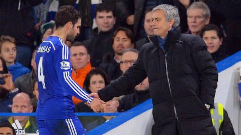 Fabregas lên tiếng về nghi án lật đổ Mourinho