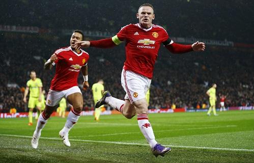 Rooney nổ súng, Man Utd lên đầu bảng Champions League