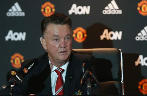 Van Gaal: 'Hãy la ó tôi, đừng nhắm vào cầu thủ'