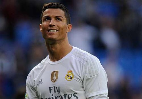Wenger: 'Ronaldo sẽ lụi bại nếu chỉ nghĩ cho bản thân'