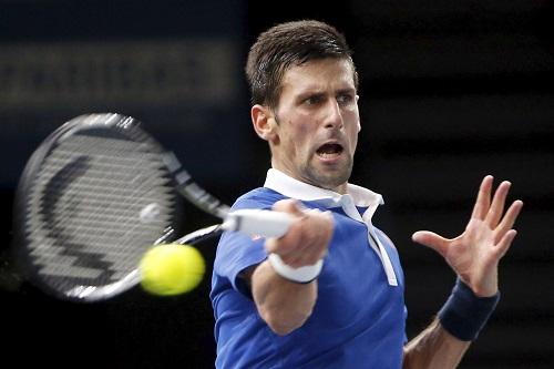 Vượt ải Wawrinka, Djokovic vào chung kết Paris Masters