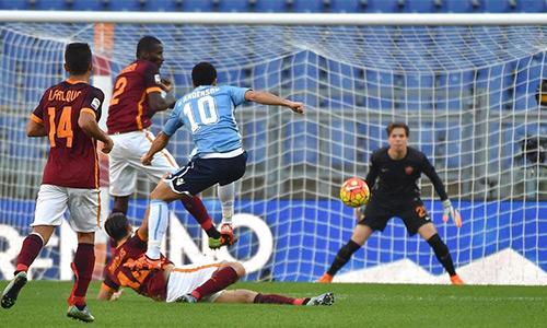 Roma đánh bại Lazio trong trận derby thành Rome