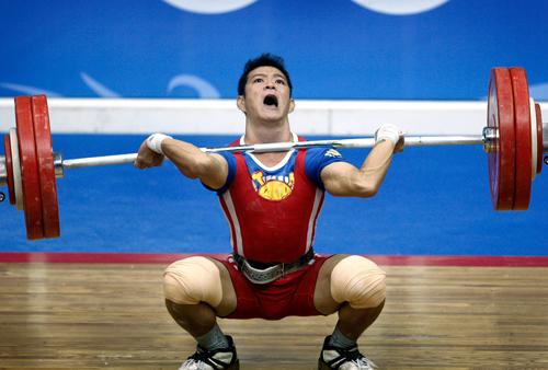VĐV bị thương gánh trách nhiệm giành HC Olympic cho cử tạ Việt Nam