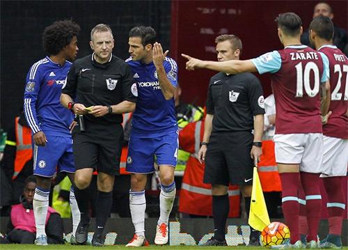 Chelsea nhận án phạt của FA