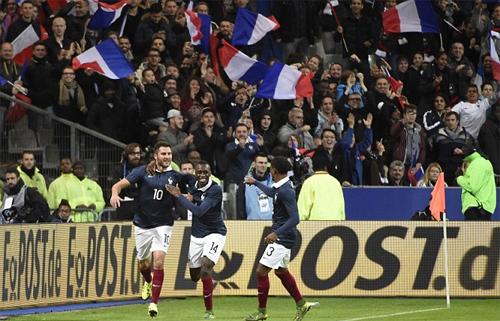 Bóng đá và tiếng súng ở Stade de France