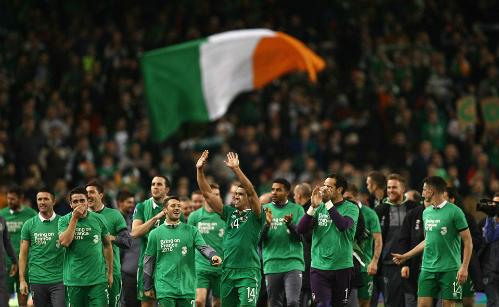 Ireland giành vé dự Euro 2016 nhờ bàn thắng tranh cãi