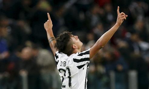 Juventus đánh bại Milan, áp sát top 5