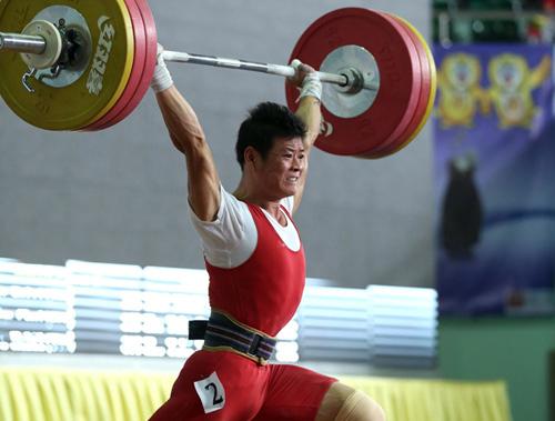 Thạch Kim Tuấn giành HC đồng giải vô địch cử tạ thế giới