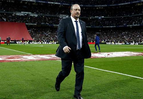 Benitez: 'Tôi đã chọn sai đội hình xuất phát'