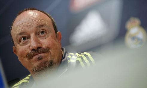 Trò cũ nghi Benitez bị ép thay đội hình trận El Clasico