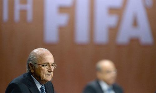 Sepp Blatter suýt chết vì scandal ở FIFA