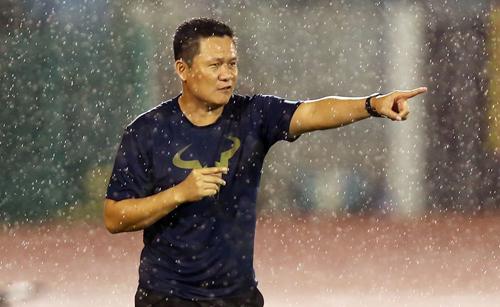 HLV của U21 HAGL: 'Cầu thủ của tôi không phù hợp với Miura'