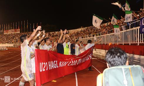 U21 HAGL tri ân người hâm mộ cả nước
