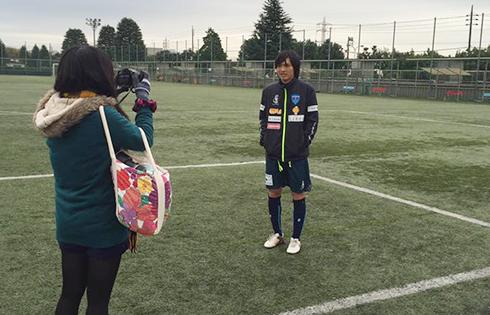 Tuấn Anh ghi bàn trên sân tập của Yokohama