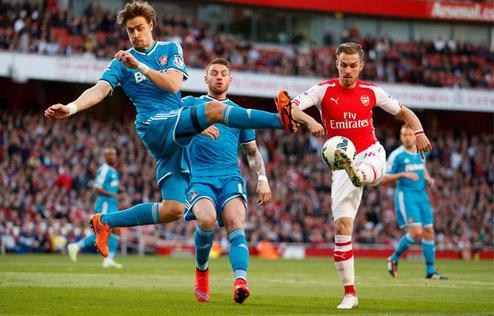 Lawrenson: 'Man Utd, Chelsea và Arsenal sẽ cùng thắng'