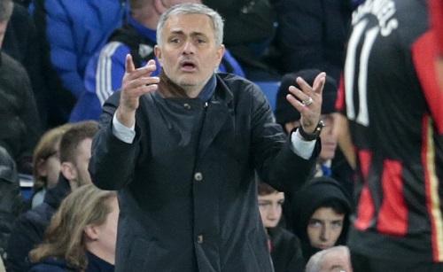 Mourinho: 'Kết quả bất công, trọng tài sai lầm'