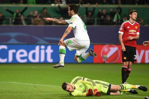 De Gea chuyền bóng tốt hơn tám đồng đội trong trận thua Wolfsburg