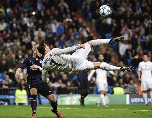 Ronaldo ghi bốn bàn, Real giành chiến thắng 8-0