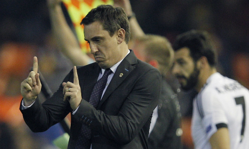 Neville không bận tâm về khả năng đối đầu Man Utd