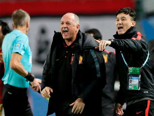 Đội bóng Trung Quốc thách thức Barca