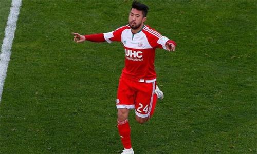 Lee Nguyễn sánh ngang Kaka, Villa trong nhóm cầu thủ hay nhất đội