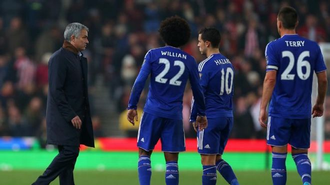 Vòng 17 ngoại hạng anh: chelsea bắt đầu cuộc sống hậu mourinho - ảnh thể thao