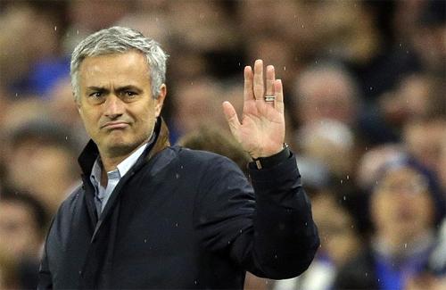 Cầu thủ Chelsea tỏ vẻ lạnh nhạt khi chia tay Mourinho