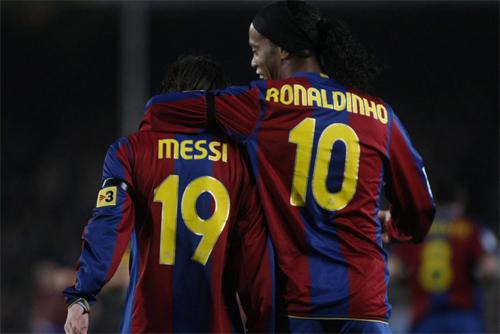 Messi tiết lộ bí quyết thừa kế áo số 10 của Ronaldinho
