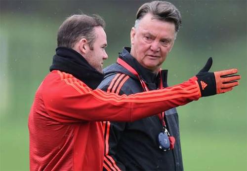 Rooney hứa không 'lật ghế' của Van Gaal