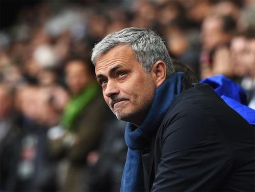 Nếu tới Man Utd, Mourinho vẫn có thể nhận tiền từ Chelsea
